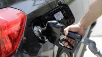 U.S. consumers splurged with gas savings says report