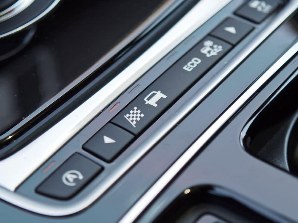 Jaguar Drive Control行車模式切換功能,可呈現不同的行車調性。
