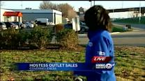 People line up to buy remaining Hostess products