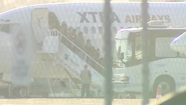 Plane carrying undocumented migrants arrives in San Diego