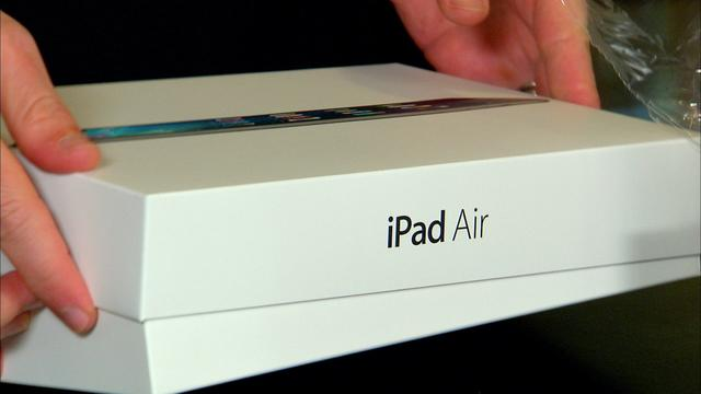 Unboxing the Apple iPad Air