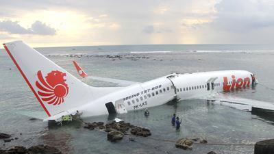 Lion Air Jet Crashes Into Sea in Bali; 45 Hurt