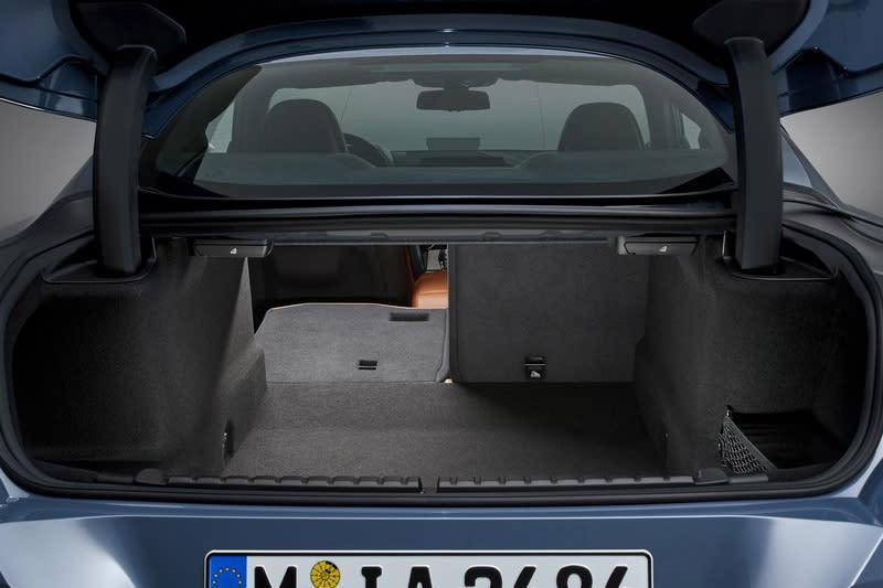 基本的置物機能也是GT Coupe車款之所以討喜的理由之一。