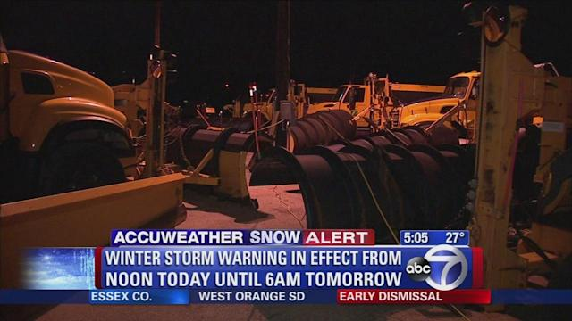 New York area preps for snow