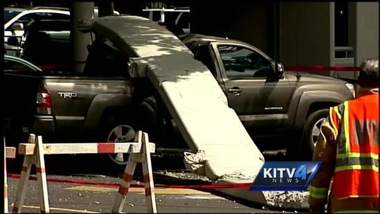 Pearlridge garage crash leaves six cars damaged