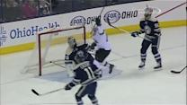Couture sets up Marleau for a goal in front