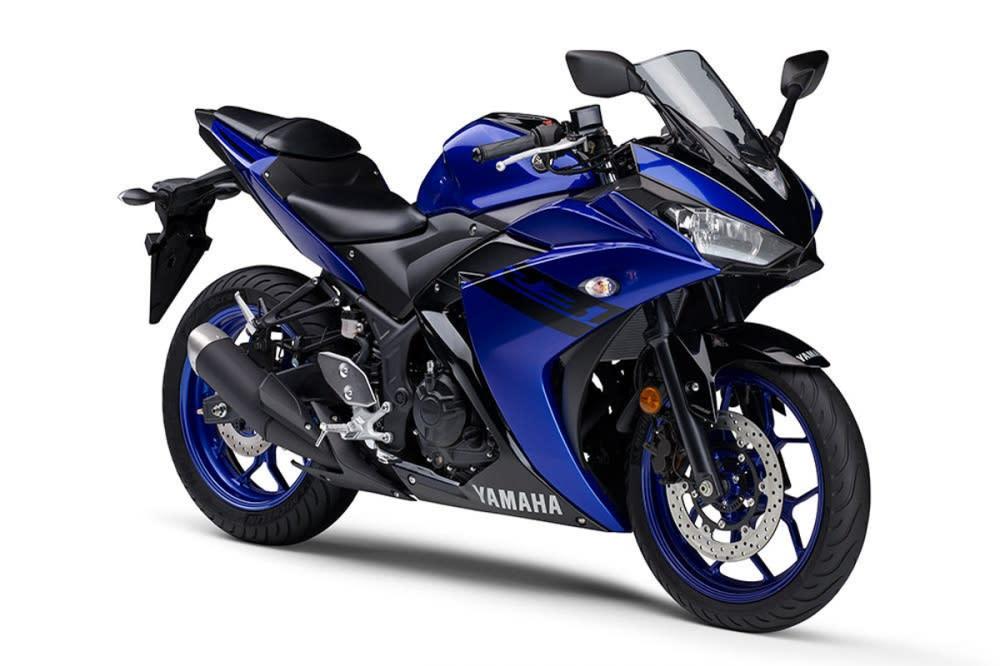 2018年式YZF-R3採用更具金屬質感的藍色搭配黑色線條塗裝。