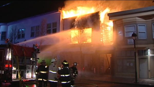 4-alarm fire contained in SF's Bayview District