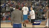 Raw video: Willie Cauley-Stein at Final Four practice