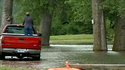 Homeowners Leave Before Waters Rise