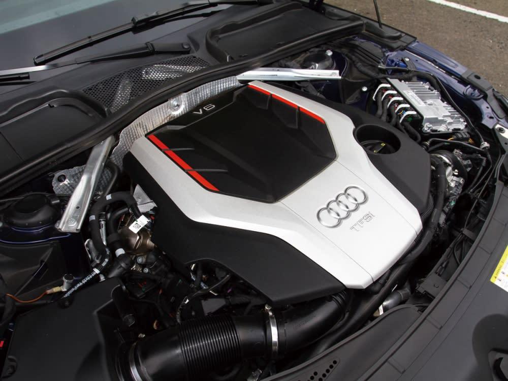 S5 Sportback搭載3.0升V6缸內直噴渦輪增壓引擎,可輸出馬力354hp/5400-6400rpm與扭力51.0kgm/1370-4500rpm。