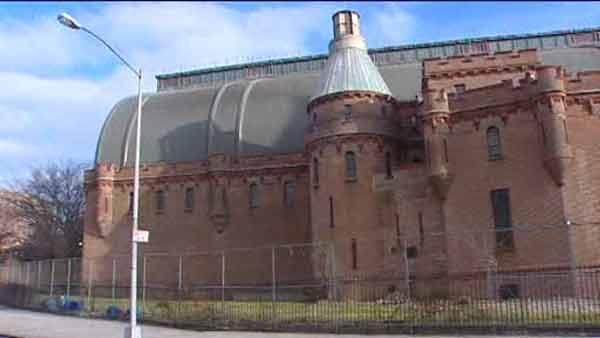 Kingsbridge Armory to be transformed into ice rink