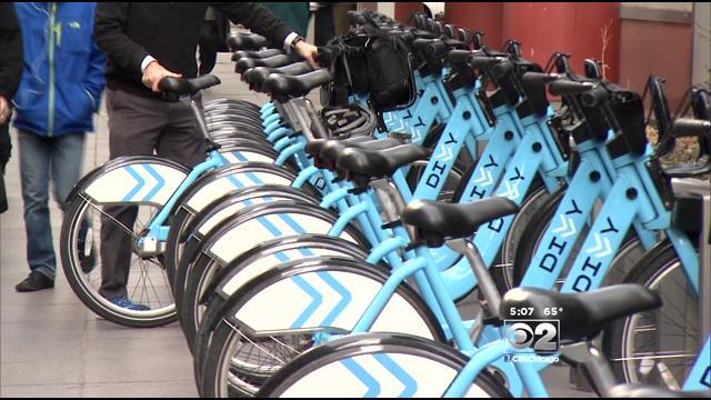 Divvy Bike-Sharing Program Gears Up For Spring