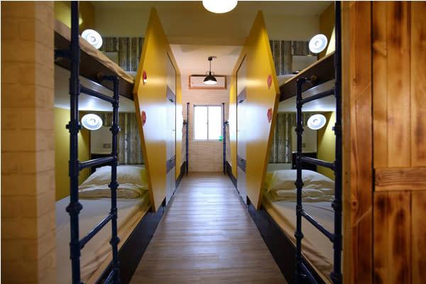舒服乾淨的住宿環境。(圖片來源/蜂巢膠囊旅店)