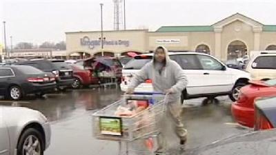 Shoppers Stock Up For Thanksgiving