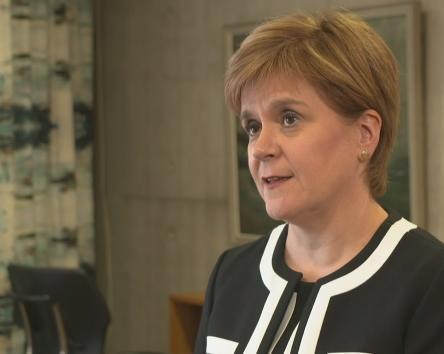 Nicola Sturgeon tells PM to end his 'illegal' prorogation