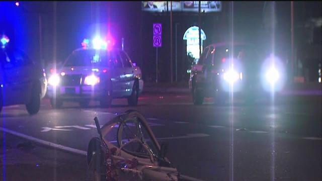 Clearwater bicyclist dies after getting hit by two cars on US 19