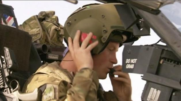 Prince Harry qualifies as Apache commander