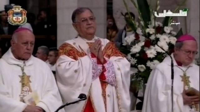 Faithful in Bethlehem as Christmas mass urges peace