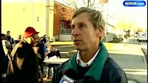 Governor helps hand out Thanksgiving meals