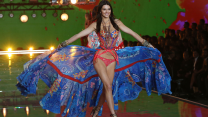 15 Stunning Looks From The Victoria's Secret Fashion Show