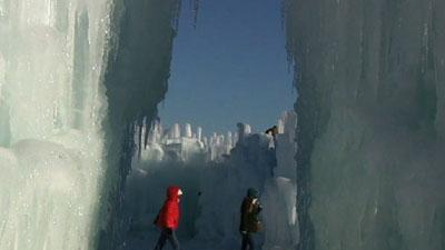 Ice Castles Delight Minneapolis-area Residents