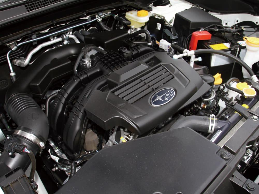 搭載2.0升水平對臥4缸自然進氣引擎,有效降低車身重心。