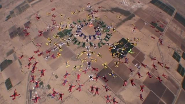 Skydiving group practices for world record attempt