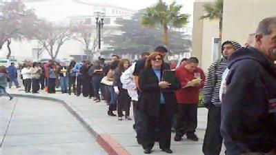 Long Line Forms At HIREvent