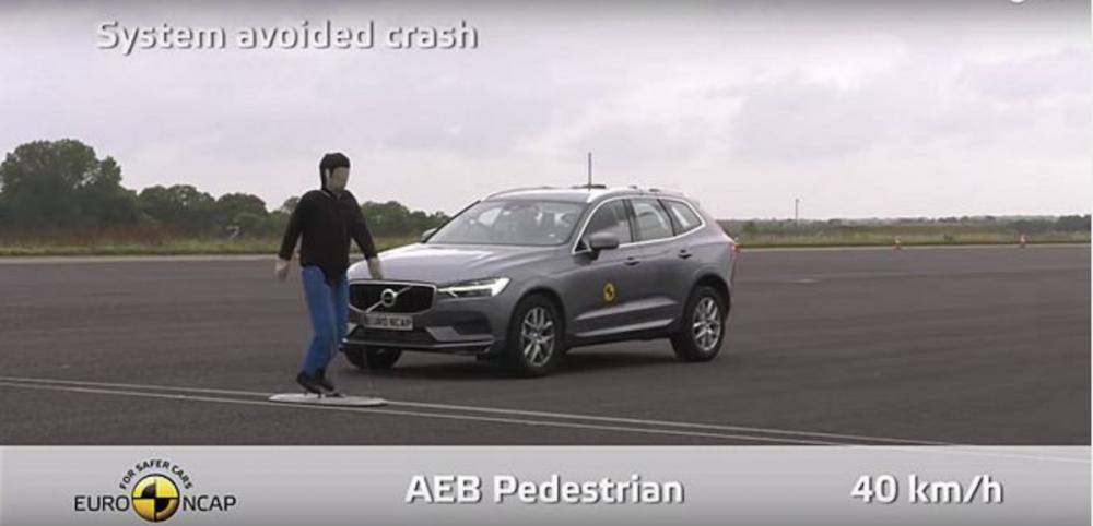 Volvo 的 City Safety 都會安全防護系統相當成熟,最新的 XC60,在 Euro NCAP 的 AEB 自動緊急煞車系統測試中幾乎獲得滿分。