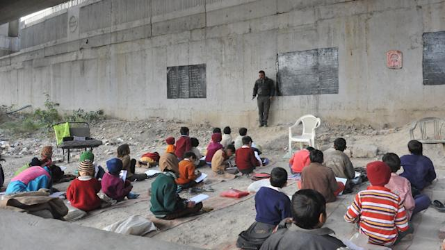 School Under A Bridge: Teacher Under A Bridge in India