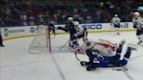 Oshie scores amazing goal from his knees