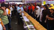 Mexicans make giant 213 foot sandwich