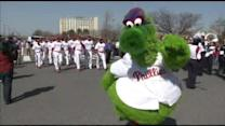 Fans feel Phillies fever at home opener