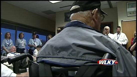 Ky. WWII veterans visit memorial in Washington, D.C. thanks to Ford