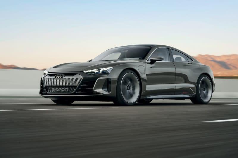 從e-tron與e-tron GT Concept的推出,可以看出Audi朝電動車領域發展計劃。