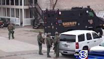 Deputies: Father held child hostage for hours