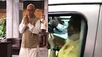 NaMo meets Advani to discuss over party plans