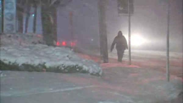 Snowfall heavy at times on Long Island
