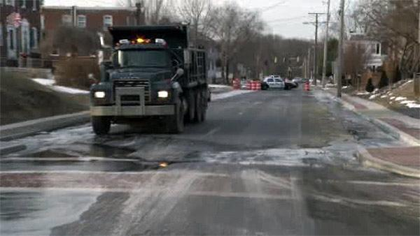 Water main break, ice force detours in Wilmington