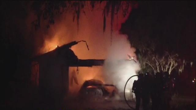 Riverview mobile home fire kills one person