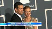 LeAnn Rimes Checks Into Rehab