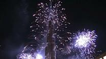 Raw: Dubai Attempts Fireworks Show Record