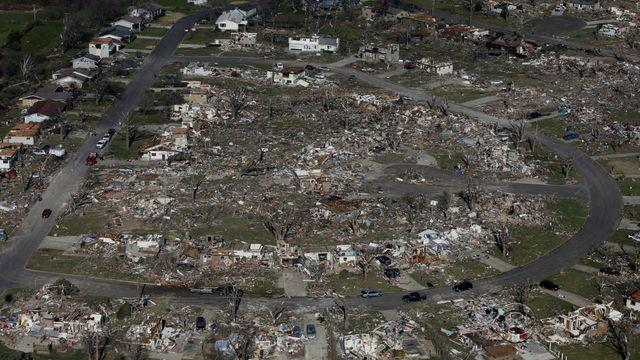Ill. residents sift through rubble, take stock after devastating tornado