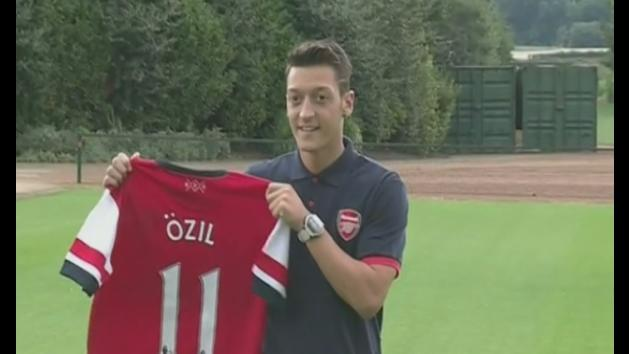 Arsenal unveil their record signing Mesut Ozil