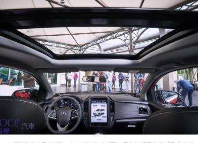 全景天窗更上一層樓!2019年式Luxgen U5國產最低價搭載65.9萬起!