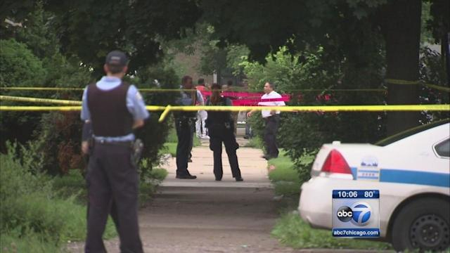 At least 60 people shot in violent Chicago holiday weekend