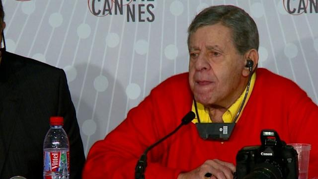 Jerry Lewis 'bothered' by female comics