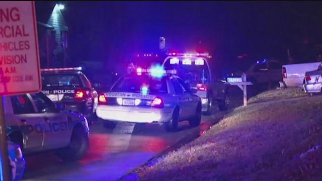 Robbery suspect killed in shootout with police