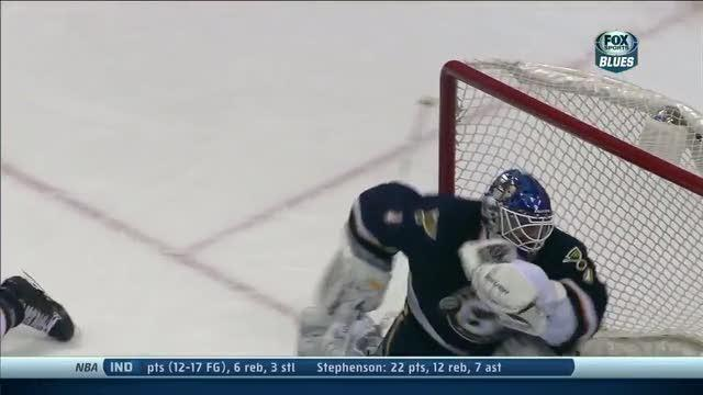 Brian Elliott makes two great quick saves